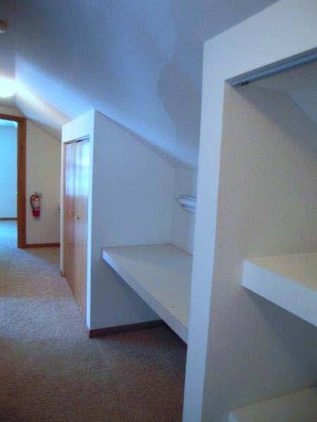 25bedford_hallway