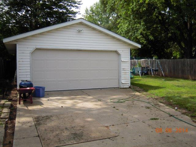 4708%20Camden%20Road%20Garage
