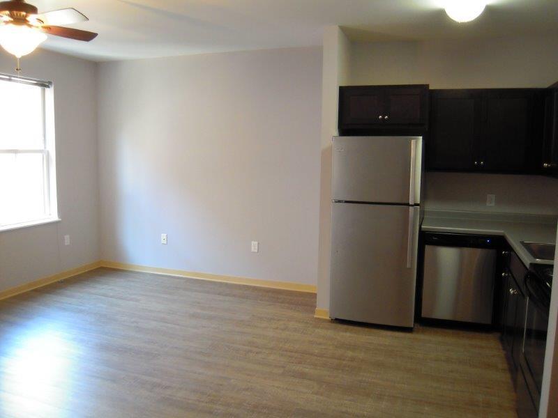 506-Main-206-kitchen